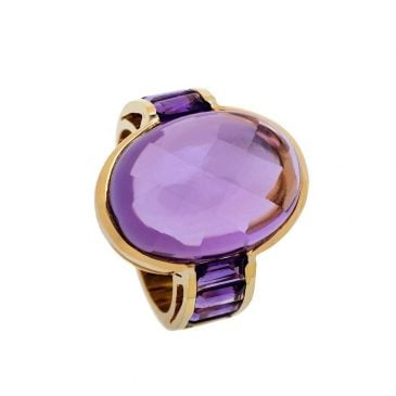 yellow gold ring with emethyst
