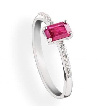 anillo rubí y diamantes