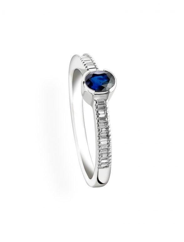 anillo zafiro y diamantes